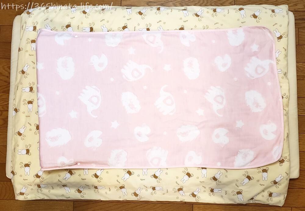 吐き戻し防止枕 ベビー布団に収まるサイズ