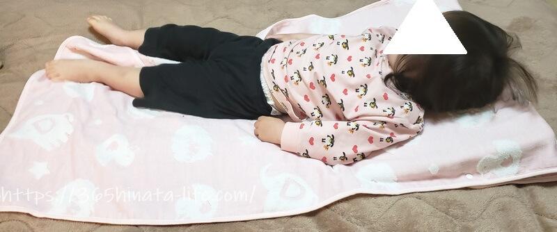 吐き戻し防止枕 娘の使用画像
