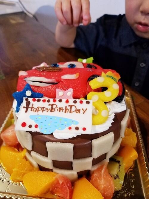 カーズのキャラケーキの全体図