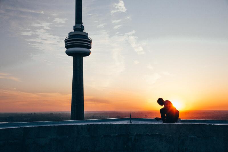 夕焼けの灯台